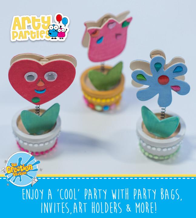 Kids party entertainment wooden art holders